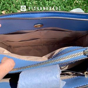 Michael Kors Bags - NWT Michael Kors kinsley